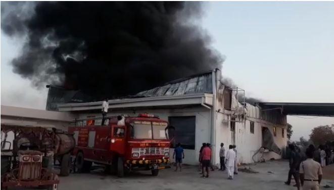 fire-in-oil-factory-in-shujalpur-madhypradesh