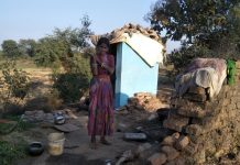women-living-in-toilet-from-past-three-years