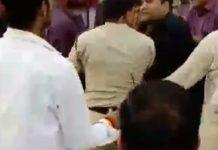 BJYM-nagar-president-manhandle-with-police