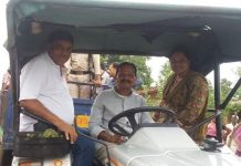 hina-kanwre-use-tractor-for-visit-