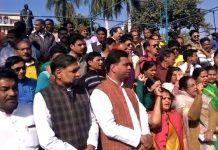 bjp-leaders-protest-against-congress-ban-decision-on-vandematram--