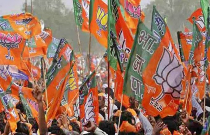 fight-between-bjp-workers-to-welcome-the-mp-candidate-in-ujjain