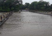 heavy-rain-in-madhya-pradesh-water-cross-from-bridge-in-raisen