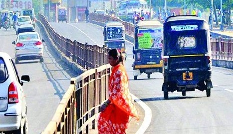 rules-made-by-administration-for-those-who-drive-in-BRTS-corridor