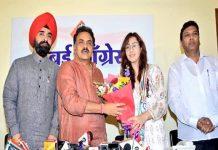 famous-tv-actor-shilpa-shinde-join-congress