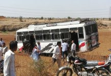election-duty-employees-bus-accident-in-khandwa