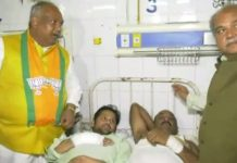 Union-Minister-Tomar-arrived-at-the-hospital-to-see-injured-workers