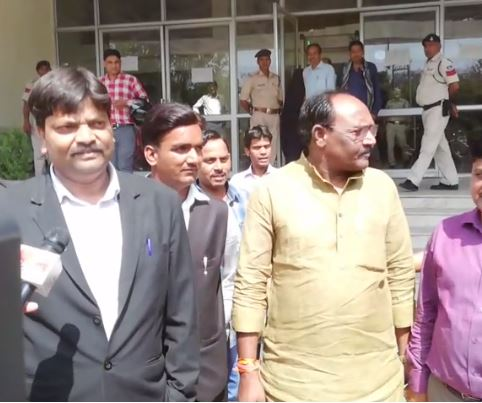 Former-minister-Lal-Singh-Arya-surrenders-in-court-madhypradesh