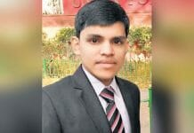 indore-petrol-pump-worker-s-son-pradeep-cracks-upsc-in-first-time