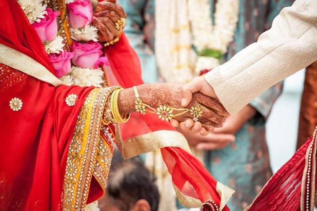 youth-made-special-card-for-his-marriage-and-appeals-to-make-narendra-modi-once-again-pm