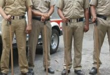 -Attacking-on-the-police-team-to-catch-the-robbers-tension-overnight