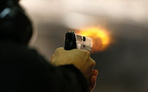 Late-night-the-miscreants-firing-on-the-dhaba-in-satna-two-women-died-one-seriously-injured