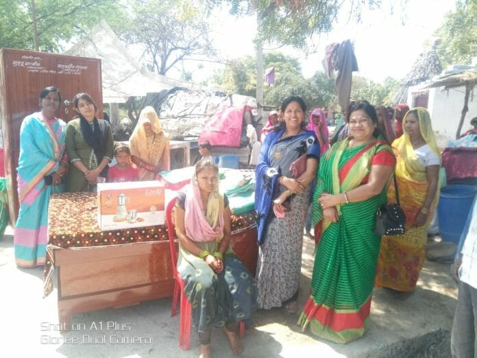 sudden-REACHED-and-help-in--Poor-girl's-marriage-bhind