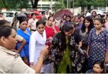 police-threatens-hostel-students