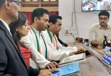 cm-kamal-nath-and-nakulanath-filled-nominations-in-chindwara-