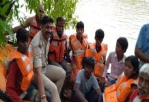 8-people-were-stranded-on-the-island