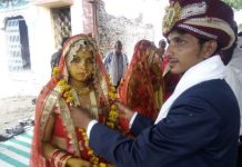 newly-married-couple-protest-in-khandwa