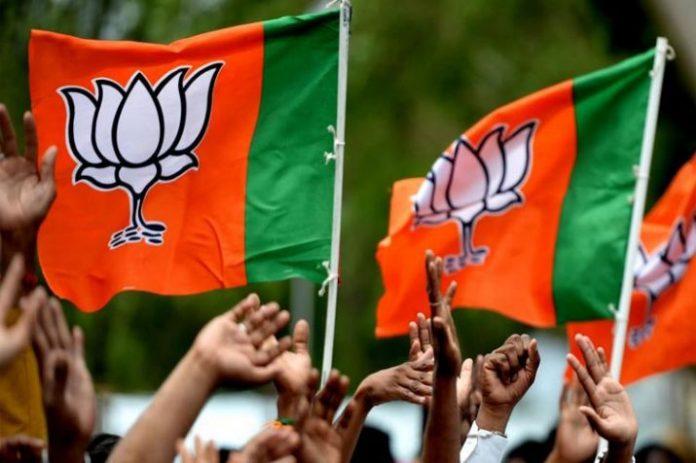 mandsaur-bjp-candidate-sudhir-gupta-ankle-bone-fractured-during-election-campaign