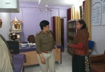 fraud-with-Martyr's-wife--come-in-soldier's-uniform--