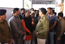 si-implicated-former-sarpanch-in-fake-smuggling-case-people-ruckus-at-the-sp-office-mandsaur