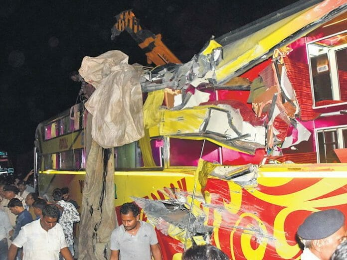 Four-people-died-due-to-uncontrolled-bus-accident-in-vidisha