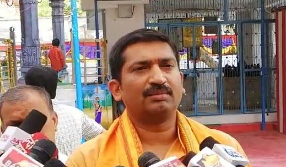 p-narhari-worship-in-sharda-devi-temple-of-telugu-parishad