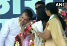 woman-kisses-congress-president-rahul-gandhi-during-a-rally-in-valsad
