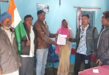 farmers-submit-form-for-cm-fasal-loan-waiver