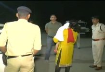 woman-police-officer-on-night-patrol--indore-madhya-pradesh