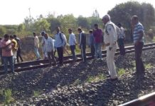 without-head-dead-body-found-in-railway-tract-in-indore