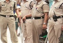 Attacking-the-police-team-rescued-the-culprit-on-the-gunpoint-in-rajgadh