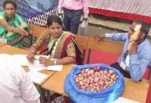 EC-save-polling-personnel-from-the-heat-distributed-Onion-with-EVM