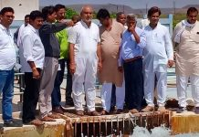 Congress-went-Motijheel-plant-under-leadership-of-District-President-warned-corporation-officers