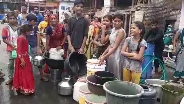 khandwa-peopels-panic-from-water-shortage-problem