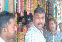 indore-corporator-mubarik-mansoori-slapped-indore-municipal-corporation-employee
