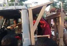 a-women-high-voltage-drama-on-crane-and-beaten-driver-in-gwalior-