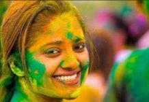 holi-celebration-2019-best-tips-of-clear-colors-from-skin