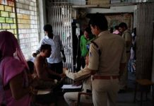Trying-to-burn-the-officer-alive-Shahgadh-sagar-district