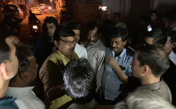 minister-tomar-whole-night-went-to-know-the-problem-of-water