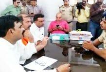 finance-minister-tarun-bhanot-complaint-to-police-of-sadhvi-pragya-in-jabalpur