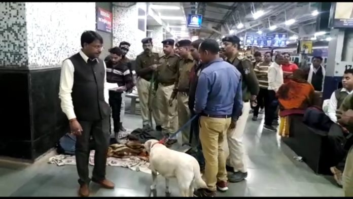 High-alert-in-jabalpur-police-checking
