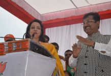film-actress-and-mp-hema-malini-election-campaign-in-khandwa-for-vijay-shah