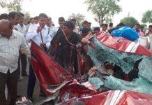harda-road-accident-car-and-dumper-crashed-Four-people-death--