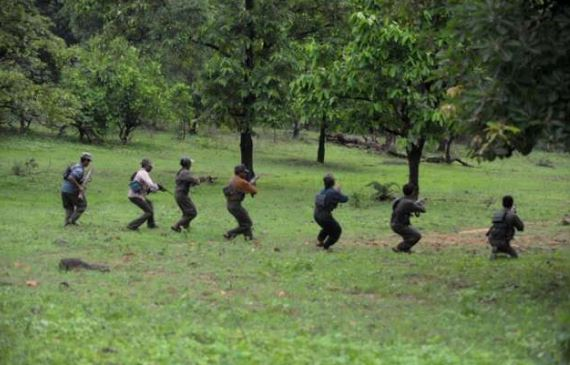 naksali-attack-on-police-team-in-balaghat-before-election