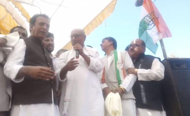 digvijay-singh-made-slogan-of-congress-worker-muradabad