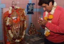 congress-leader-raj-babbar-visit-Gwalior-temple