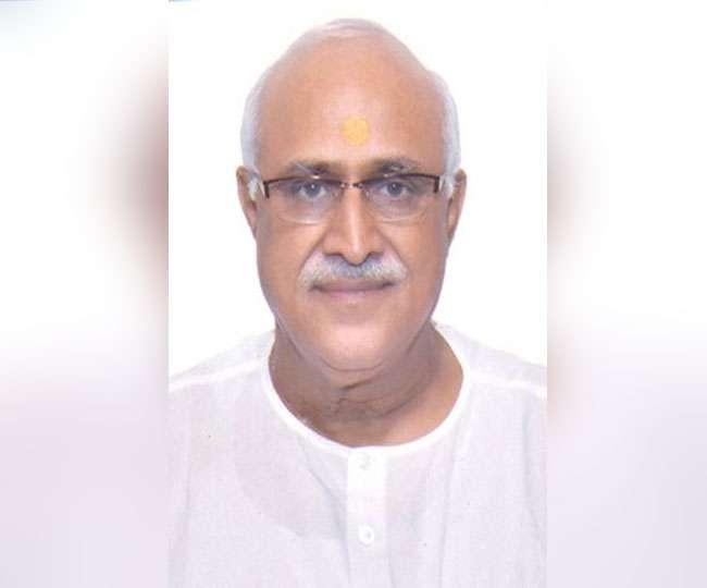 BJP-veteran-bats-for-Sadhvi-Pragya-against-Digvijaya-Singh