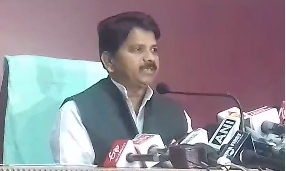 RSS-worker-may-be-murderer-of-his-servent-in-ratlam-home-minister-bala-bacchan-attack-on-shivraj