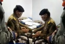 sp-amit-singh-suspended-police-jawan-after-applicant-made-his-video-of-taking-bribe--in-jabalpur