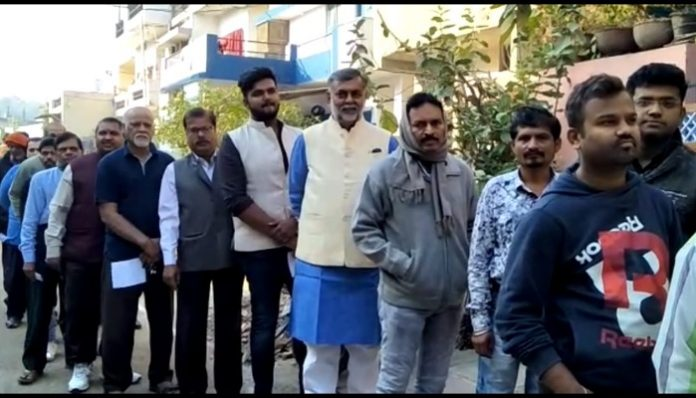MP-election--Former-Union-minister-Prahalad-Patel-cast-with-family-vote